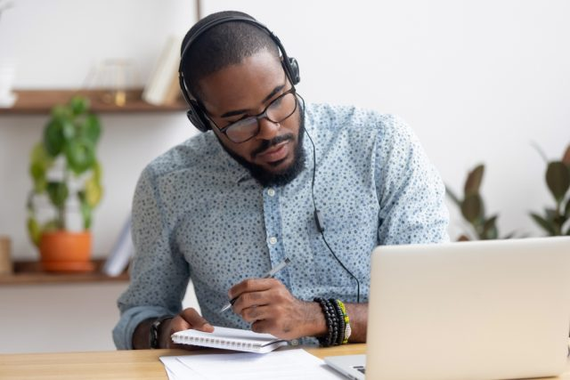taking an online course is a great way to meet your daily success habits and learn something new