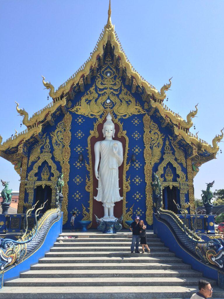 blue-temple-chiang-rai