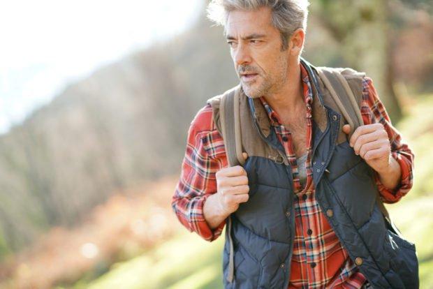 older-man-backpacker