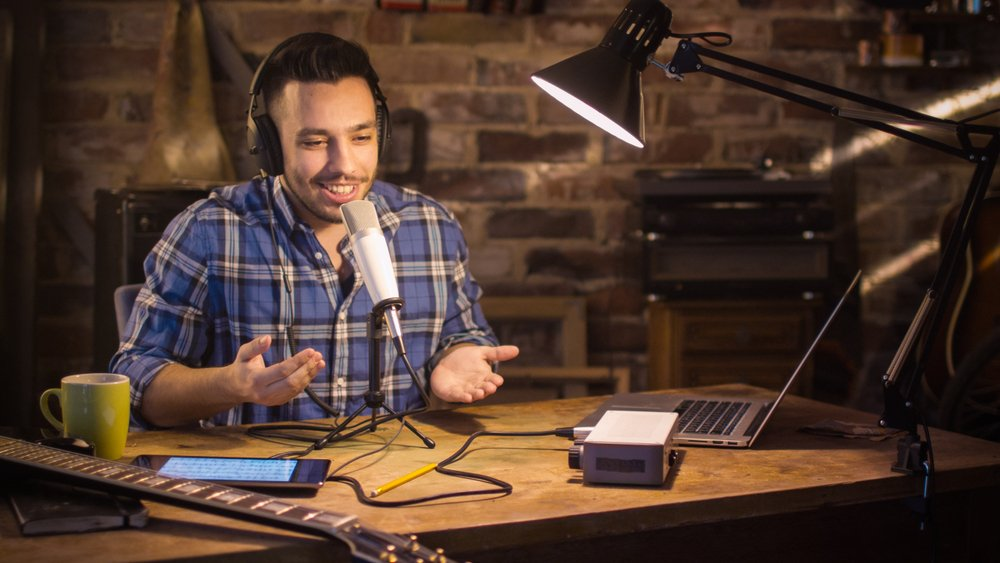 If you to want to become an audio content creator, you need to find the right topic for your podcast.