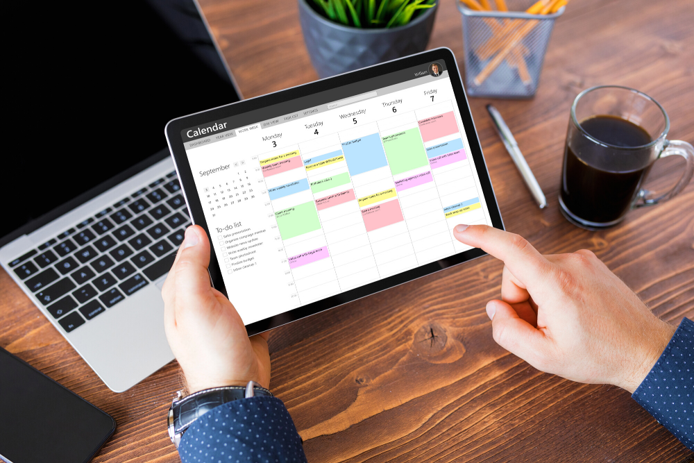 Want to improve your time management skills? Then you need to use these planning and organizing techniques to stay ahead.